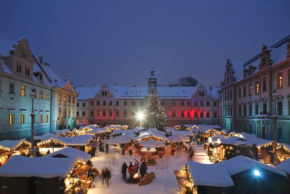 Thurn Und Taxis Weihnachtsmarkt.The Romantic Christmas Market At Castle St Emmeram The Travel
